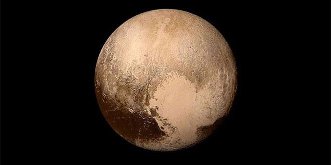 Плутон крие леден океан, в който може би има живот