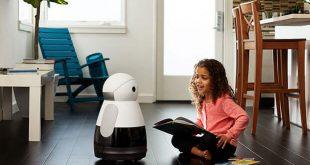 """Роботът """"Кюри"""" работи с гласово разпознаване"""