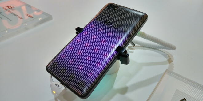 Alcatel A5 LED основно изображение