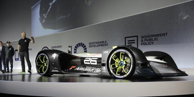 Robocar автомобил - основно изображение MWC 2017