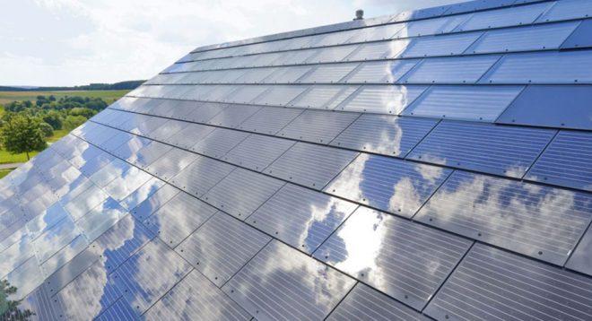 Снимка на соларни керемиди
