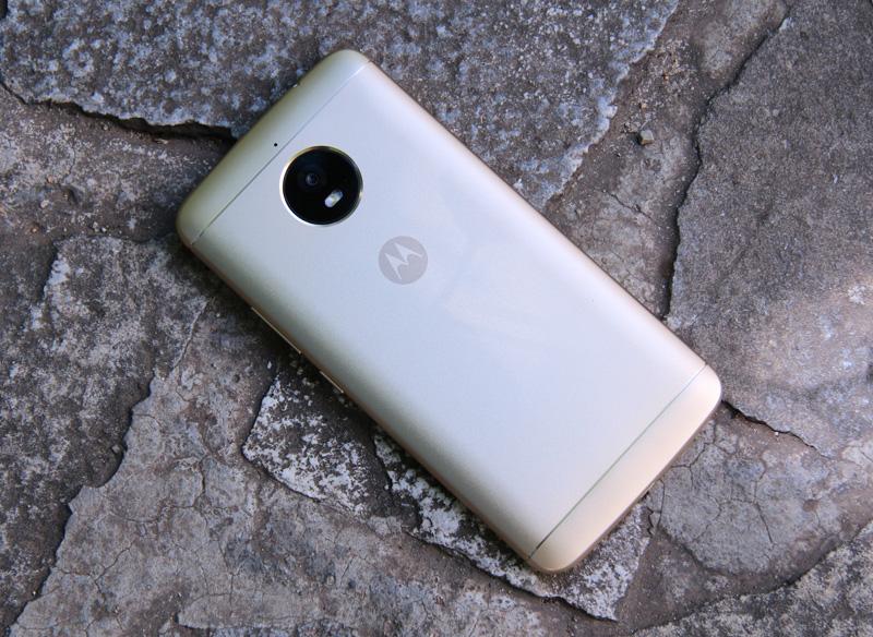Снимка на Motorola Moto E4 Plus