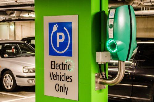 Снимка на колонка за зареждане на електрически автомобили