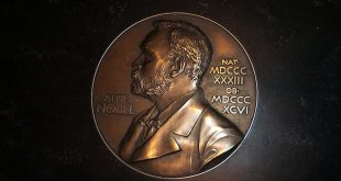 Откритията с Нобели: Айнщайн бе прав, часовникът в нас и позиращи молекули