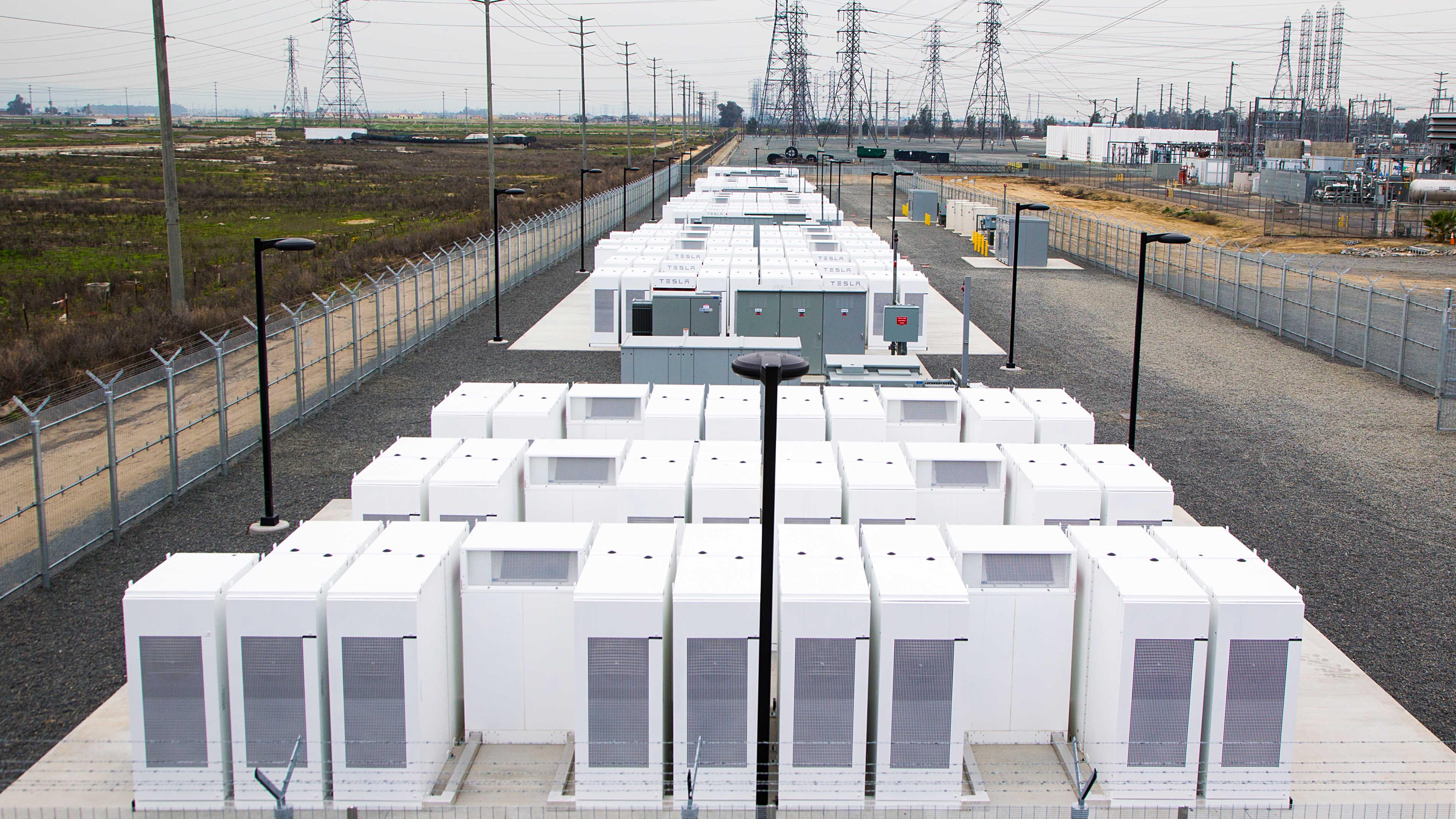 Снимка на Tesla Powerpacks
