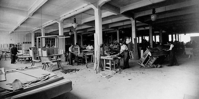 снимка на завод на Мерцедес от 20-ти век