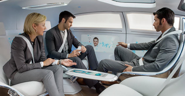 картина на прототипен автомобил на Мерцедес, в който хората ще общуват, докато той се движи сам