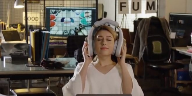 Гоним стреса с апарат за акупунктура на уши