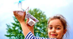 """""""Технократи"""" показват мини водородни коли на деца и младежи пред НДК"""