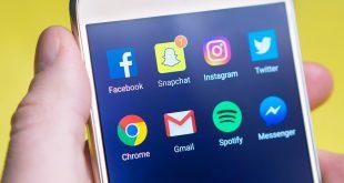Facebook добавя селфи режим и AR стикери в Messenger