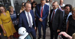 Откриха първата Професионална гимназия по компютърно програмиране и иновации в Бургас