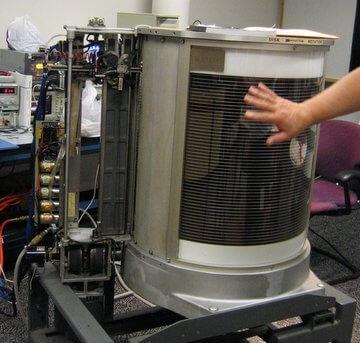 IBM 350 - първият твърд диск - частично разглобен