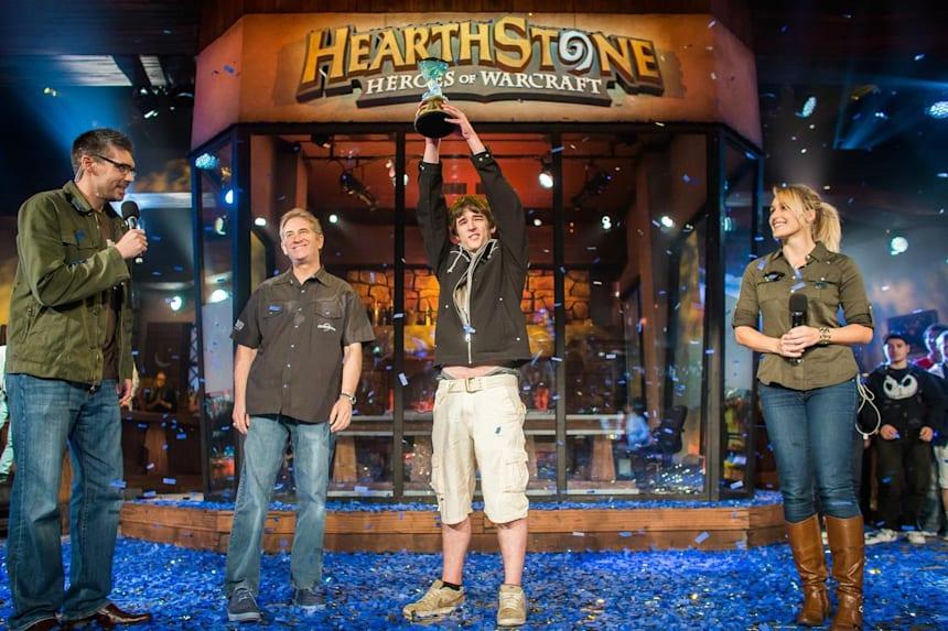Дори и световните шампиони допускат грешки в Hearthstone
