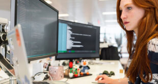 JavaScript, Java и Python са сред най-търсените езици за програмиране през 2021 година